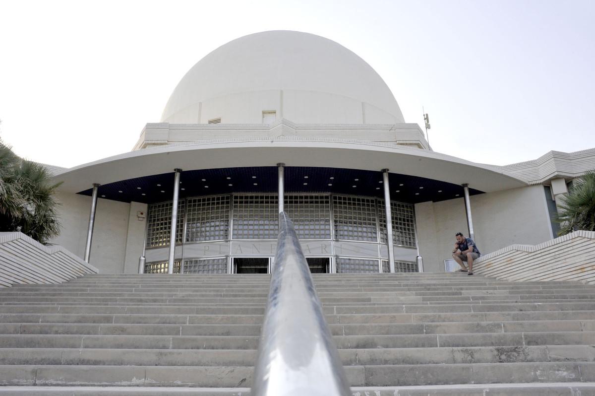 Planetario Exteriores (slowphotos.es) 01
