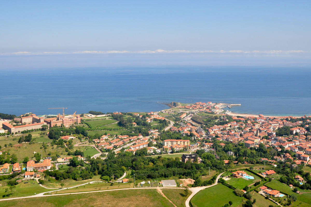 1 Comillas by WikiCommons